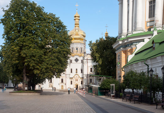 Kiev Pechersk Lavra, Cathedral of the Dormition, fragment of Great Lavra Bell Tower