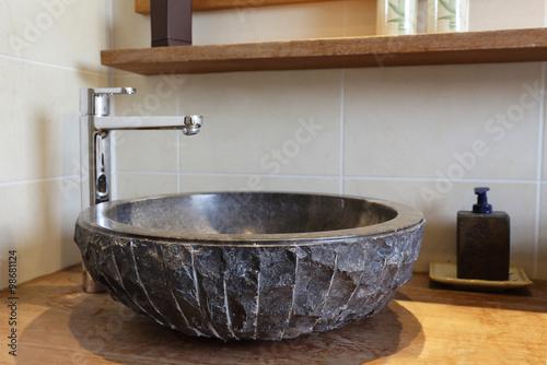évier vasque de salle de bain en pierre naturelle noire\