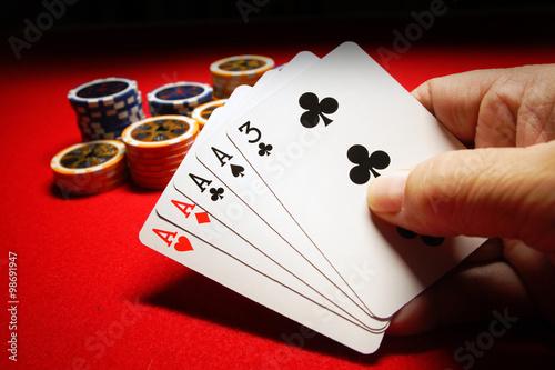 download online casino poker 4 of a kind