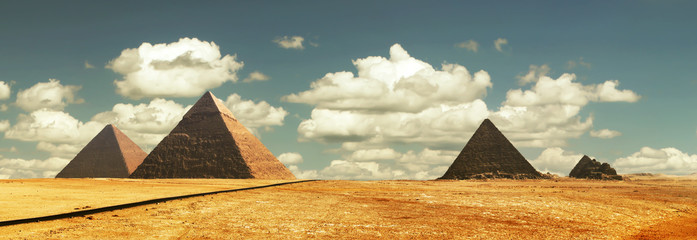 Egipt panorama pyramid with high resolution