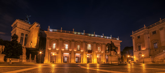 Fototapete - Rome, Italy: The Capitolium square at night