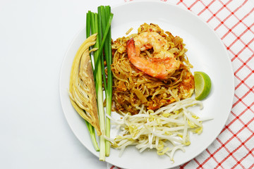 Thai style fried rice noodle with shrimp