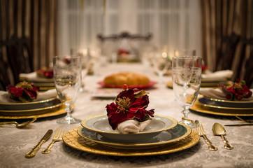Luxury Dining Room Table Setting