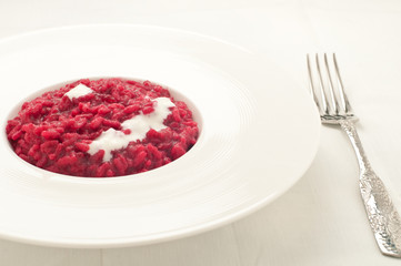Beet risotto with cream cheese
