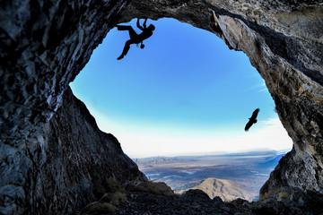 mağarada tırmanış yapmak