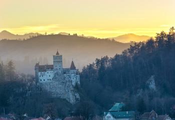 Fotobehang Kasteel Panoramic view of the famous Count Dracula Bran castle of Transylvania