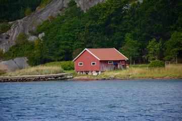 Schwedisches Haus am See
