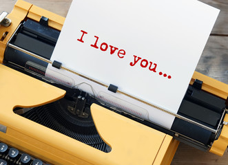 Liebesbrief auf Schreibmaschine
