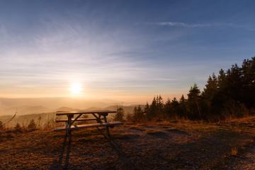 Fototapete - Bank im Sonnenuntergang