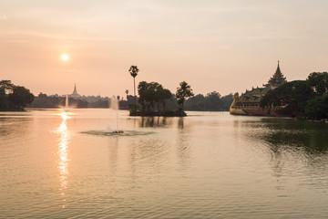 Fotobehang Indonesië atmosphere of dusk at Shwedagon pagoda in Yangon, Myanmar