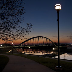 The Main Street Bridge in Columbus, Ohio is a 700 ft arched suspension bridge completed in 2010