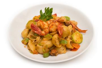 Pipe rigate con gamberi, zucchine e pomodoro, Pasta Italiana