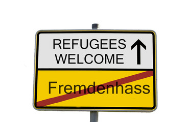 Ortsschild Refugees Welcome