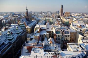 Fototapeta wrocław - panorama zaśnieżonego zimą miasta