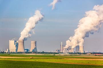Blick auf das Kraftwerk Neurath