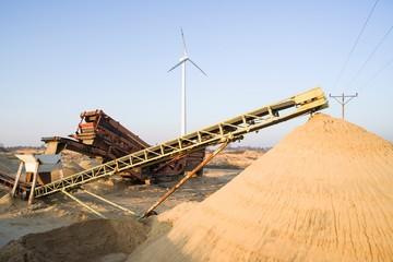Hałda piasku w kopalni
