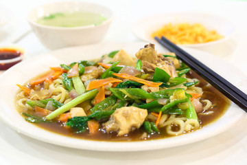 Stair fried hand made noodle