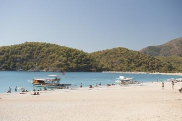 Oludeniz, błękitna laguna z plażą i górami, Turcja