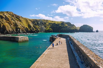 Fototapete - Cornwall, The Lizard, Mullion Cove