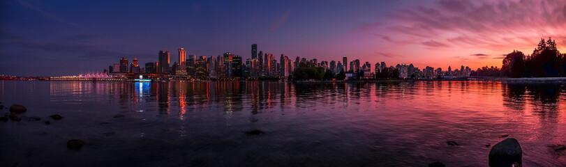 Beautiful Vancouver skyline and harbor with idyllic sunset glow, Canada Fototapete