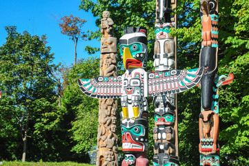 Totem in Vancouver Stanley Park, British Columbia, Canada Wall mural