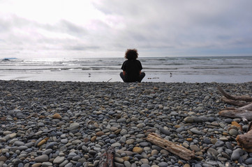 Fototapete - Meditating on the Pacific Coast, Olympic National Park, Washingt