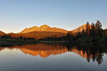 Fototapete - Sunset on Lassen Volcanic National park, California, USA