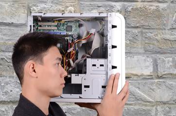 defekter Computer, EDV techniker