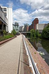 River Irwell Park mit Promenade in Manchester, England