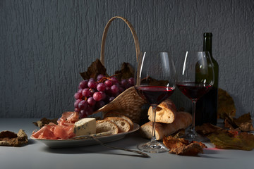 jamon ,cheese and red wine