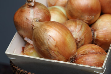 raw onion in the basket