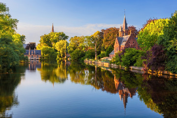 Foto op Canvas Brugge Bruges, Belgium: The Minnewater (or Lake of Love), a fairytale scene