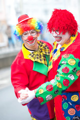 lustige clowns tanzen rosenmontag