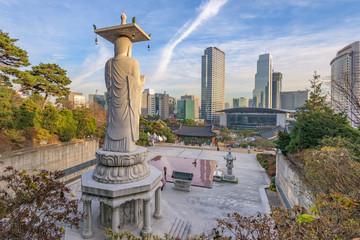 Cadres-photo bureau Seoul Bongeunsa temple of downtown skyline in Seoul City, South Korea.