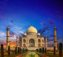 Fototapete - Taj Mahal in India at Sunset