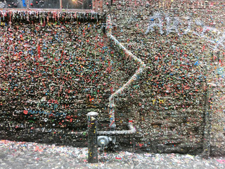 Vibrantly colored wall, coated with chewing gum