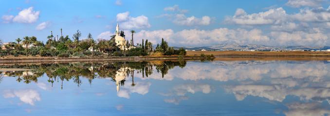 Photo sur Plexiglas Chypre panorama Hala Sultan Tekke in Cyprus