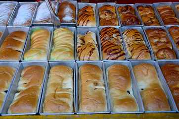 bread and loaf with fillings thai style