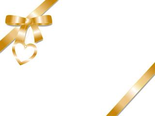 Festliche goldene Geschenkschleife mit Herzanhänger