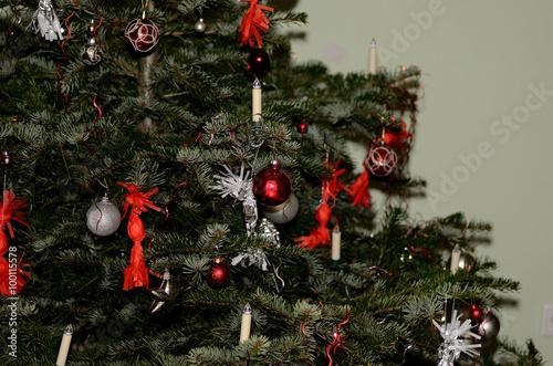 Schmuck Für Weihnachtsbaum.Weihnachtsbaum Mit Schmuck Stock Photo And Royalty Free Images On