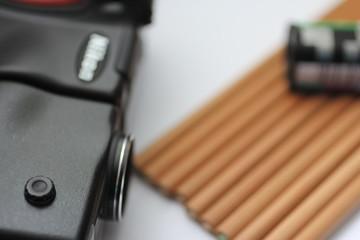 カメラと色鉛筆