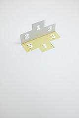 順位・ランキングのイメージ(※B・縦・黄色)