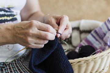 Knitting on spokes