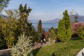Il Lago Maggiore visto dal parco di Villa Taranto, Verbania, Piemonte, Italia