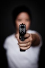 Girl mit Pistole