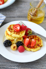 pancakes with fresh summer berry
