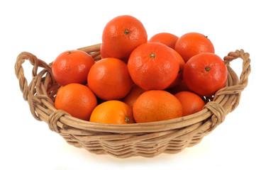 Corbeille d'oranges et de mandarines