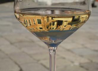 Venise dans un ver de vin