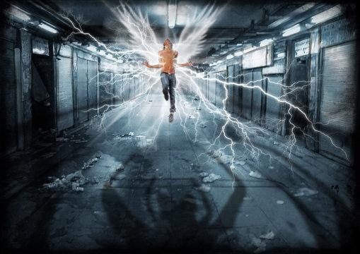 Angelo in un sottopassaggio minacciato da un'ombra demoniaca. Urban fantasy trasformazione su A3 300 dp1