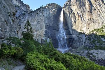 Wall Mural - Hiking Upper Yosemite Fall